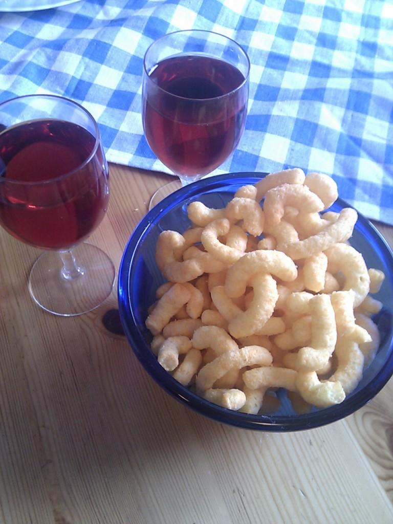 Vin & ostbågar